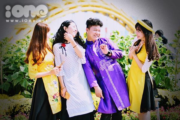 Các cặp gà bông Đà Nẵng xúng xính pose hình đón Tết - 7