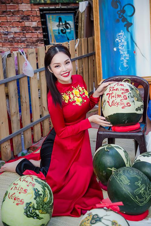 Dương Cẩm Lynh đưa con trai kháu khỉnh du xuân - 2
