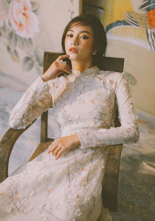 Áo dài đón Tết từ xinh yêu đến sang chảnh của hot girl Việt - 8