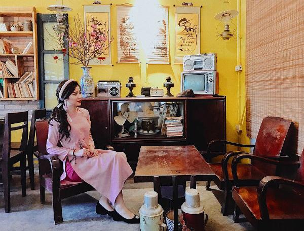 Áo dài đón Tết từ xinh yêu đến sang chảnh của hot girl Việt