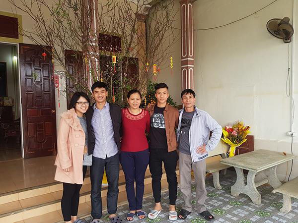 Các chàng trai U23 ăn tết hạnh phúc bên gia đình, người yêu