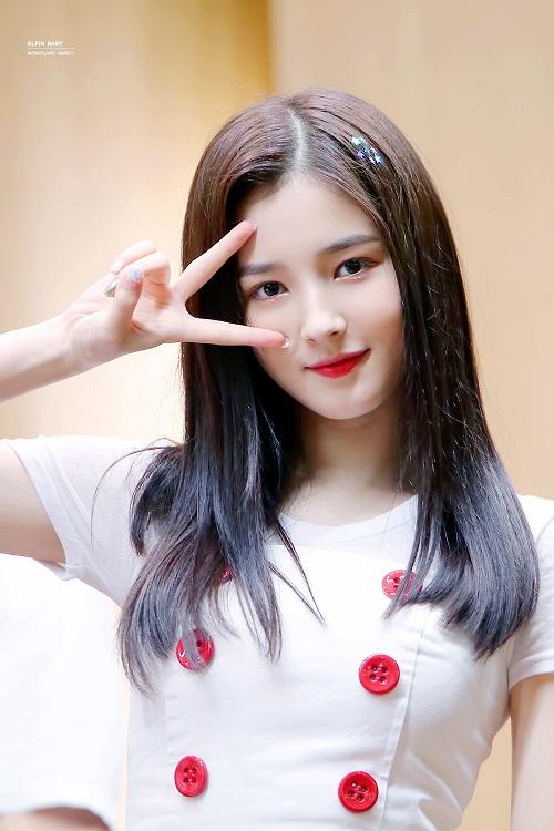 3 sao nữ Hàn hứa hẹn soán ngôi trong cuộc chiến nhan sắc 2018 - 5