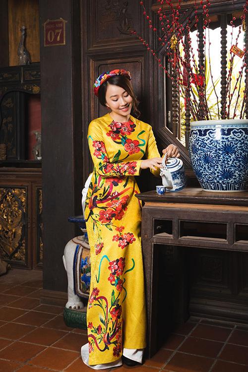 Hot girl Lona Huỳnh khoe vẻ đẹp ngọc nữ với áo dài Tết - 6