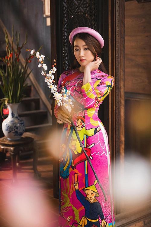 Hot girl Lona Huỳnh khoe vẻ đẹp ngọc nữ với áo dài Tết - 2