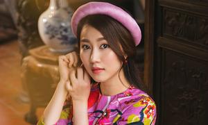 Hot girl Lona Huỳnh khoe vẻ 'ngọc nữ' với áo dài Tết