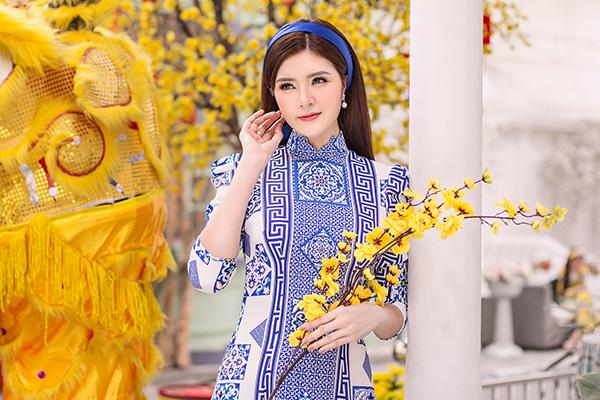 Kelly Nguyễn rủ rê bạn thân Lilly Luta duxuân - 7