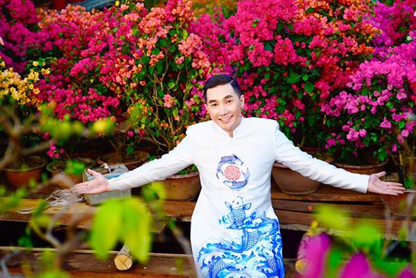 Dàn trai đẹp Vbiz đại náo đường hoa Nguyễn Huệ đầu năm - 10
