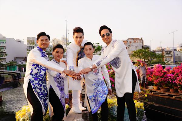 Dàn trai đẹp Vbiz đại náo đường hoa Nguyễn Huệ đầu năm - 4