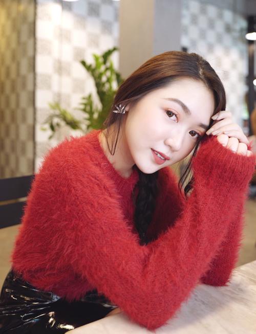 Chloe Nguyễn: Cao thủ làm đẹp 20 tuổi xứng danh con nhà người ta