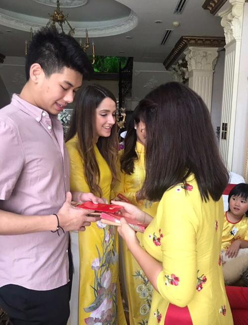 Em chồng Tăng Thanh Hà rũ bỏ nét sang chảnh để đón Tết truyền thống - 5