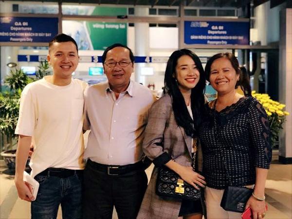 Sao Việt khoe ảnh sum họp bên gia đình vào dịp Tết - 2