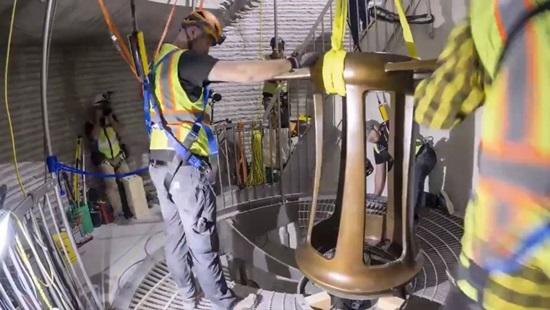 Ông chủ Amazon xây dựng đồng hồ siêu khủng trị giá 42 triệu USD - 4