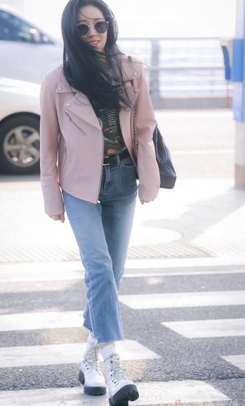 3 mỹ nhân Twice khoe style sau Tết, Hara đi boots khó hiểu - 2