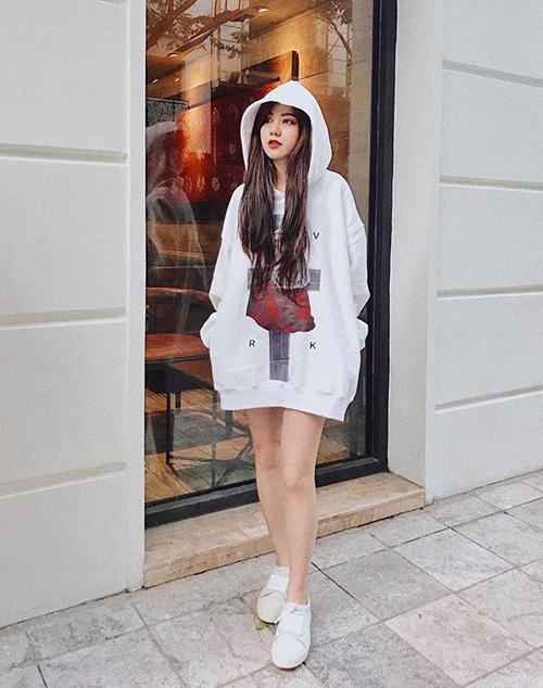 Loạt chiêu ăn mặc giúp cao hơn 5cm của các hot girl nấm lùn - 4