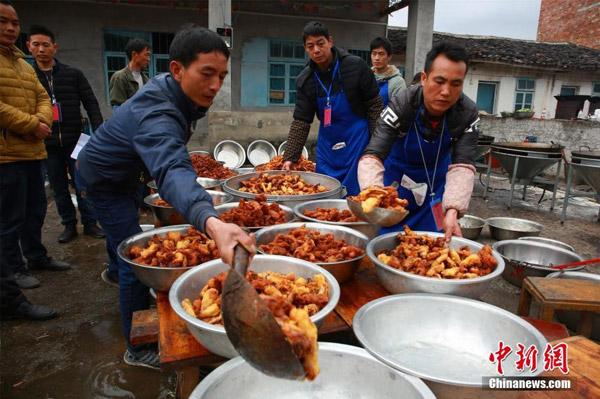 Tiệc tân niên cho 3.000 người tại Trung Quốc chiếm trọn đường làng - 4