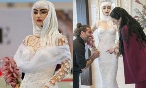 Chiếc bánh cưới đắt nhất thế giới cao to như người