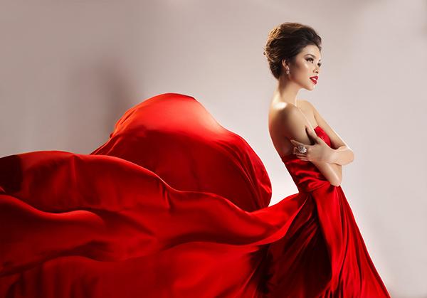 Vừa được tạp chí Ý quan tâm, Phạm Hương tung bộ ảnh đẹp tựa nữ thần - 6