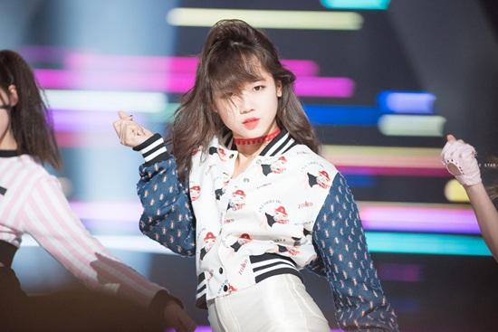 4 nữ idol cực cute nhưng cứ lên sân khấu là bùng nổ thần thái - 8