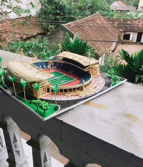 Sân vận động Mỹ Đình được làm từ tăm tre của Tuấn Anh.