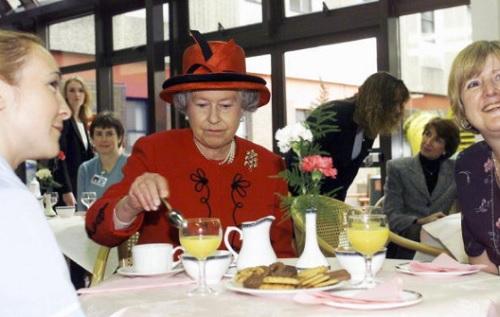 Chế độ ăn để có sức khỏe vàng của Nữ hoàng Elizabeth - 1