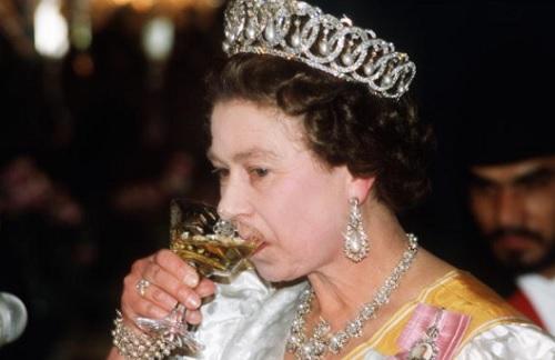Chế độ ăn để có sức khỏe vàng của Nữ hoàng Elizabeth - 2