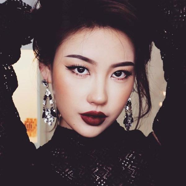 5 phù thủy trang điểm xứ Hàn thích idol nào biến được luôn thành người đó