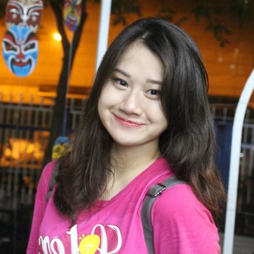 Nữ sinh trường Ams Lê Minh Anh.