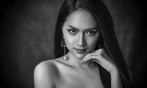 Hương Giang khoe thần thái cùng dàn thí sinh Hoa hậu chuyển giới