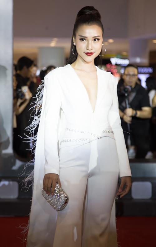 Thanh Hằng ra dáng chị đại cạnh Hoàng Yến Chibi, Jun Vũ - 5