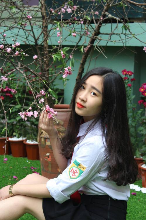 Hot boy, hot girl trường Nguyễn Bỉnh Khiêm so kè độ hot