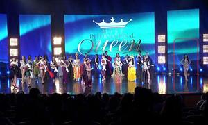 Khoảnh khắc Hương Giang đứng một góc rồi 'vụt sáng' trên sân khấu Hoa hậu chuyển giới