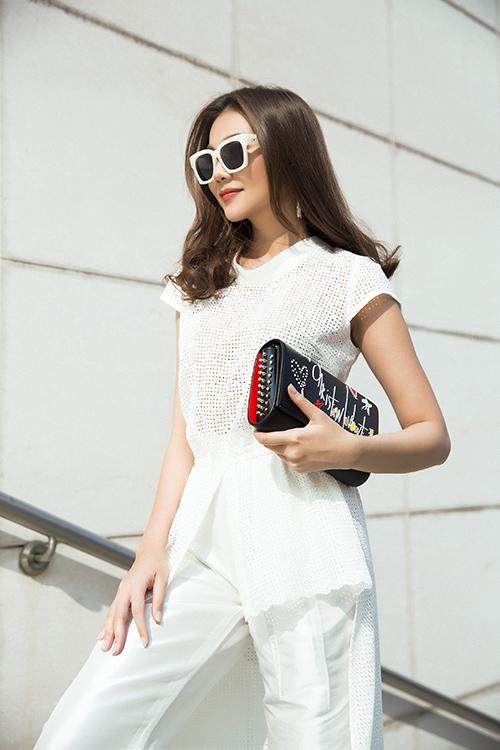 Thanh Hằng xuống phố với váy áo sành điệu - 3
