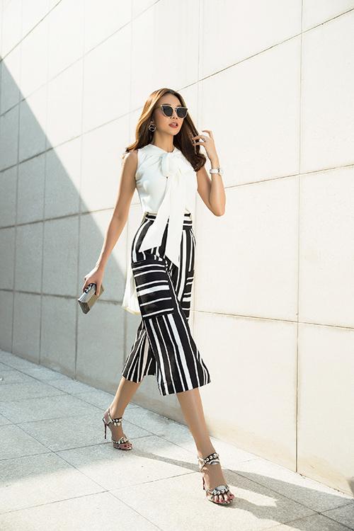 Thanh Hằng xuống phố với váy áo sành điệu