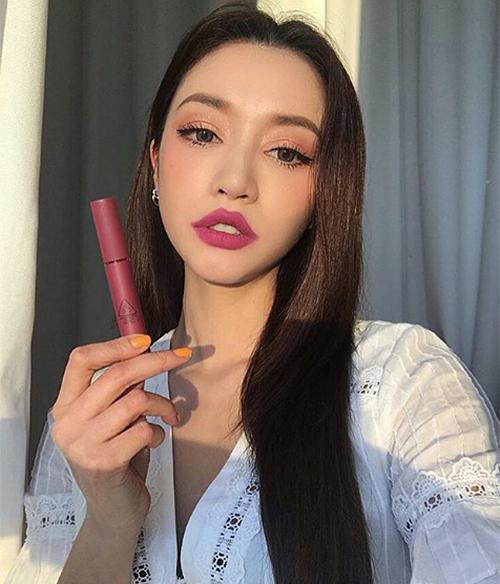 Các hot girl Hàn ngày càng kém xinh vì mê thẩm mỹ, trang điểm đáng sợ