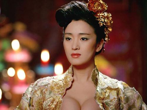 Hàng ngàn cung nữ lả lơi gây tranh cãi nhất màn ảnh Trung Quốc - 1