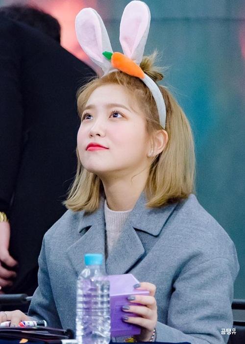 5 idol sở hữu đôi mắt được mơ ước nhất Hàn Quốc - 5
