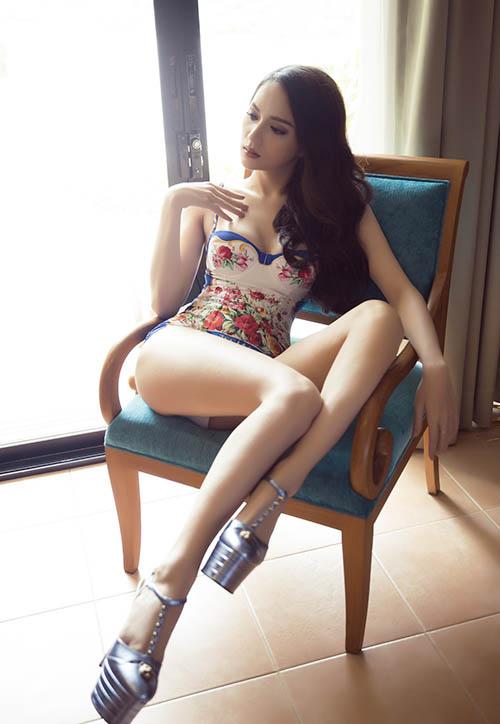 Hương Giang idol đốt mắt với bikini tại Hoa hậu chuyển giới - 1