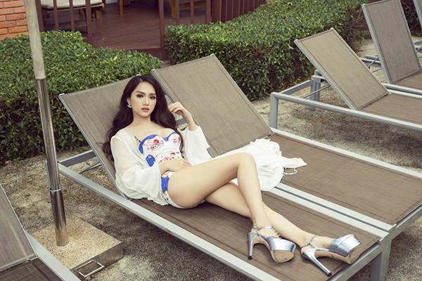 Hương Giang idol đốt mắt với bikini tại Hoa hậu chuyển giới - 6