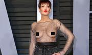 Những bộ váy hở hang gây sốc nhất lịch sử giải Oscar