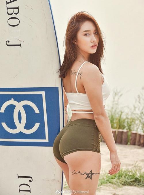 Vẻ đẹp bốc lửa của cô nàng HLV thể hình Trung Quốc - 6