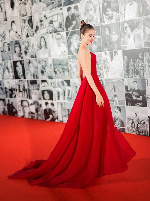 Chiếc váy hot nhất Vbiz được hàng loạt mỹ nhân mê tít - 3