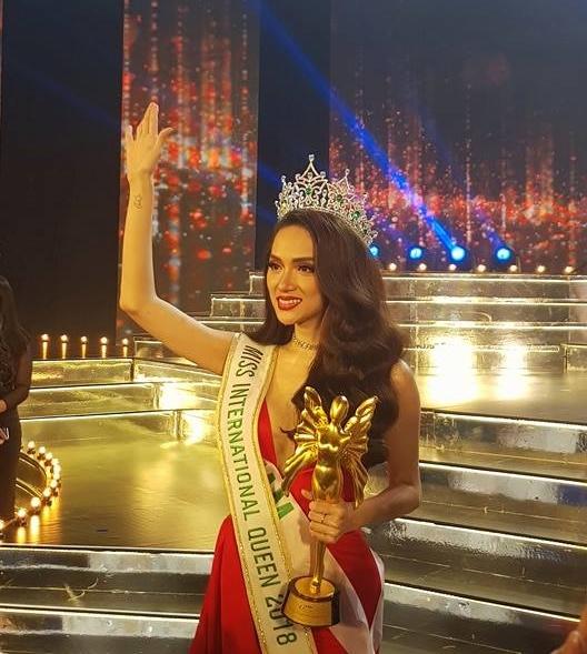 Chia sẻ đầu tiên của Hương Giang Idol sau đăng quang Hoa hậu