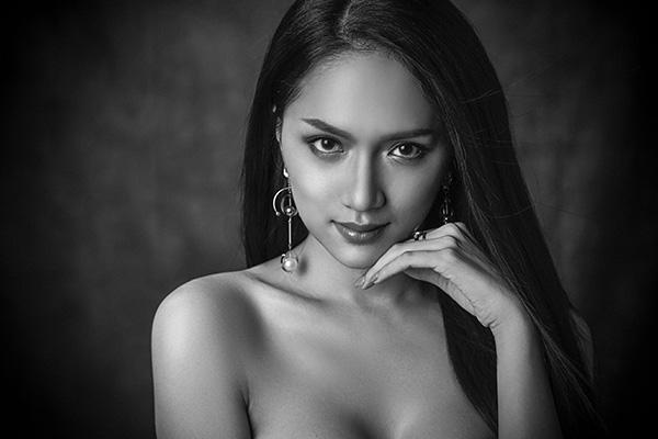 Những màn thể hiện xuất sắc của Hương Giang trước khi thành Hoa hậu chuyển giới - 5