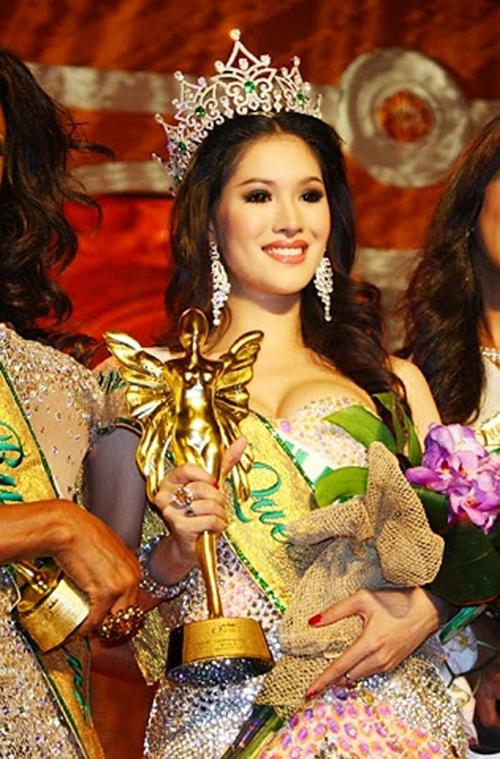 Năm 2011, Sirapassorn Atthayakorn của Thái Lan đăng quang ngôi vị Hoa hậu.