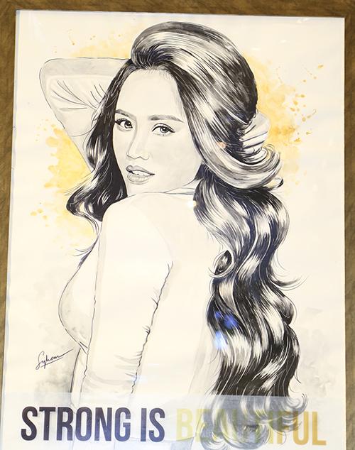 Bảo Thy - Lan Ngọc phấn khích được họa sĩ trẻ vẽ tranh ký họa tặng - 5