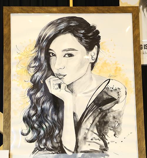 Bảo Thy - Lan Ngọc phấn khích được họa sĩ trẻ vẽ tranh ký họa tặng - 6