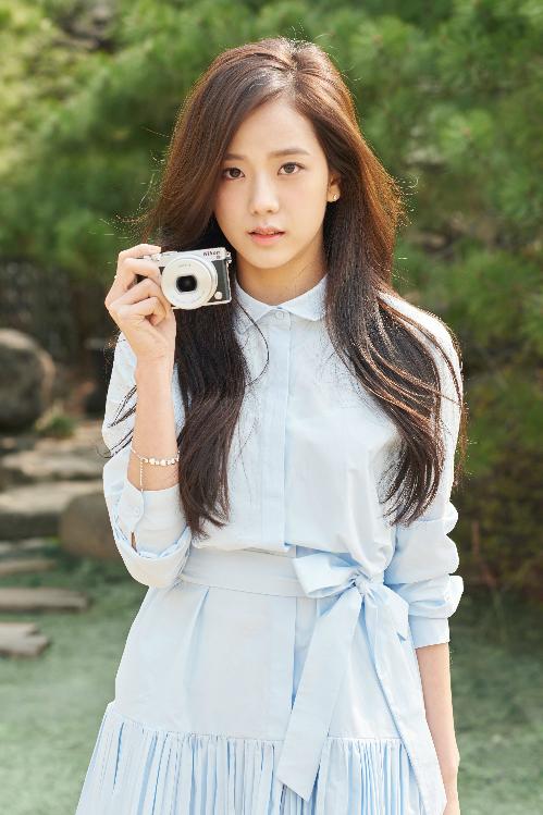 10 idol Hàn ngoài đời còn đẹp hơn trong ảnh - 4
