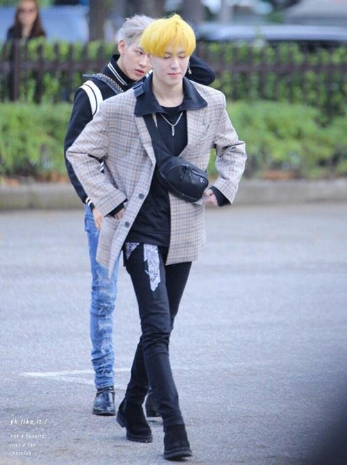 Loạt idol Hàn thể hiện phong cách với chiếc túi hot nhất