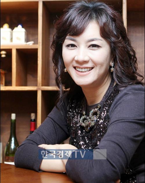 Nữ diễn viên Kim Hye Sun tuyên bố phá sản vì không trả được hết nợ.