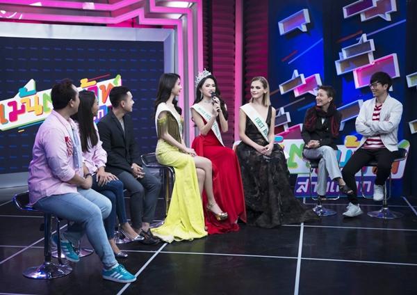 Phản ứng của Hương Giang khi bị hỏi mua giải trên truyền hình - 2